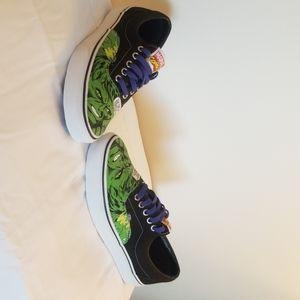 NWoT VANS MARVEL Increadible HULK sneakers